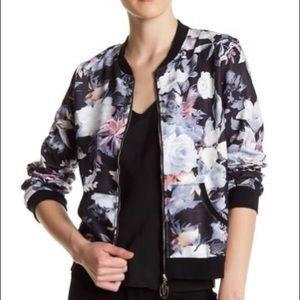 Super chic bomber jacket